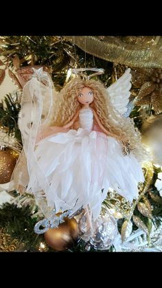 Image may contain: flower and plant - Salvabrani Christmas Craft Fair, Christmas Fairy, Christmas Angels, Fairy Crafts, Doll Crafts, Clothespin Dolls, Diy Crafts For Gifts, Flower Fairies, Fairy Dolls
