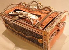 Steampunk Kleenex Box- I am pretty sure that I can make something like this when I have the time.  Awesome piece.