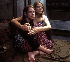 a young Kristen Stewart with Jodie Foster The Panic Room - great popcorn movie