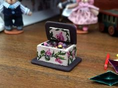 1:12th scale maison de poupées miniature rose filles nursery childrens toy box poitrine