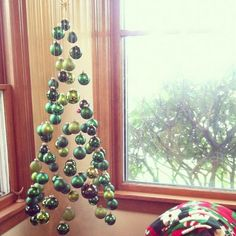 Suspended Christmas Tree cool green amazing creative christmas merry christmas merry x-mas christmas tree ornaments christmas pictures xmas christmas images christmas decorations happy holidays Holiday Crafts, Holiday Fun, Holiday Tree, Christmas Tree Ideas 2018, Christmas Tree Quotes, Funny Christmas Tree, Creative Christmas Trees, Alternative Christmas Tree, Christmas Pictures