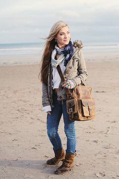 Leather vintage flight bag by Scaramanga. Inspired by the supercool retro 70s flight bags
