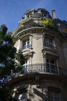 Paris, France | striped window awnings