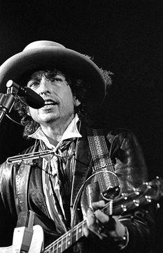 Bob Dylan on The Rolling Thunder Revue, by Ken Regan, via rollingstone