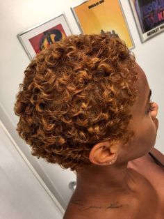 Pixie Kinky Curly Hair For Round Face Blonde Brown Short Afro Wigs , Dyed Natural Hair, Pelo Natural, Natural Hair Tips, Natural Hair Styles, Natural Hair Highlights, Bleached Hair, Natural Brown, Kinky Curly Hair, Short Curly Hair