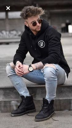 Dr Martens Outfit, Doc Martens Style, Tomboy Outfits, Casual Outfits, Fashion Outfits, Hipster Fashion, Looks Style, Mens Clothing Styles, Stylish Men