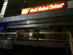Zig Zac Mania: Moti Mahal Delux Restaurant Agra Review