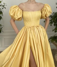 Ball Gowns Prom, Ball Dresses, Evening Dresses, Prom Dresses, Formal Dresses, Elegant Dresses, Pretty Dresses, Beautiful Dresses, Yellow Gown
