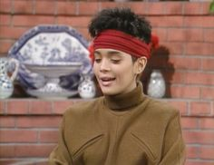 Community Post: 23 Looks That Only Denise Huxtable Can Pull Off