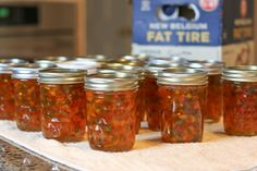 Deliciously Easy Homemade Hot Pepper Jelly Recipe – A Fork's Tale – Food: Veggie tables Banana Pepper Jelly, Hot Banana Peppers, Stuffed Banana Peppers, Stuffed Jalapeno Peppers, Jalapeno Jelly Recipes, Pepper Jelly Recipes, Canning Pepper Jelly, Jam Recipes, Sauces