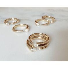 Odette Moonstone Metis ring #OdetteNY                                                                                                                                                                                 Mais
