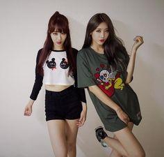 Kyungri and Hyuna