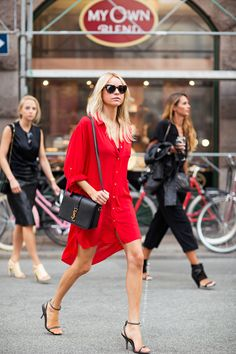 Red shirt dress paired w/ Saint Laurent bag & heels #StreetStyle