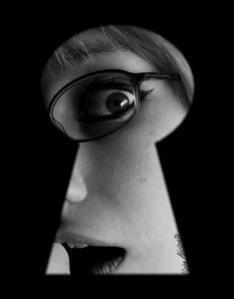 Par_le_trou_de_la_serrure_by_Vision_abstraite