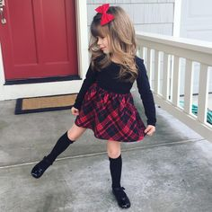 So pretty little fadhion girl Cute Little Girls Outfits, Kids Outfits Girls, Little Girl Fashion, Toddler Girl Outfits, Toddler Fashion, Kids Fashion, Toddler Girl Christmas Outfits, Toddler Girl Fall, Stylish Kids