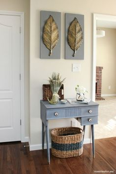 How to Chalk Paint Furniture | http://diyready.com/20-awesome-chalk-paint-furniture-ideas/