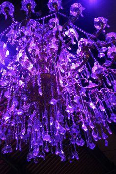chandelier, western market by joybot, via flickr.
