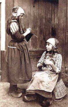 Dutch vintage knitting