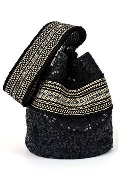 Iwa Mochila Bag from the Wayúu Collection. Crystallized with Swarovski crystals. Crochet Handbags, Crochet Purses, Summer Handbags, Purses And Handbags, Boho Bags, Unique Bags, Beautiful Handbags, Tapestry Crochet, Quilted Bag