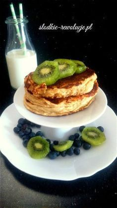 Słodkie Rewolucje: Fit placuszki twarogowe II (bezglutenowe) Diet Recipes, Healthy Recipes, Healthy Food, Pancakes, Health Fitness, Food And Drink, Sweets, Vegan, Cooking