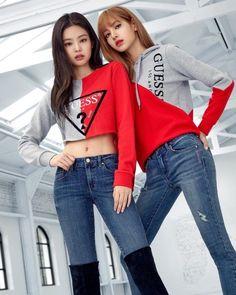 Blackpink Jennie and Lisa Blackpink Fashion, Korean Fashion, Fashion Outfits, Kpop Girl Groups, Kpop Girls, Mode Kpop, Jennie Kim Blackpink, Black Pink Kpop, Blackpink Photos