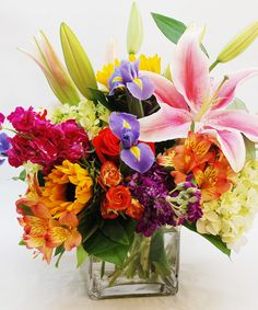 Best Virginia Beach florist since Same-day flower delivery to Virginia Beach, VA & cities nationwide from the top Virginia Beach florist. Satisfaction guaranteed on all local Virginia Beach flower deliveries. Beach Flowers, Summer Flowers, Congratulations Flowers, Get Well Flowers, Green Hydrangea, Cube Design, Easter Flowers, Same Day Flower Delivery, Colorful Roses