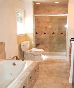 Excellent Master Bathroom Remodeling Ideas For Small Space Pictures 09 – Home Decor Design – Diy Bathroom İdeas Small Bathroom Tiles, Bathroom Photos, Bathroom Design Small, Simple Bathroom, Bath Design, Bathroom Flooring, Bathroom Ideas, Bath Ideas, Bathroom Designs