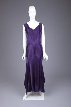 Evening Dress Jean Patou, 1929-1930 The Goldstein Museum of Design OMGthatdress