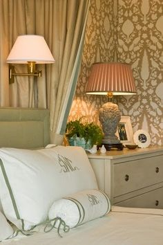 Splendid Sass-This wallpaper is beautiful and surprisingly gives the room a serene feel. JD