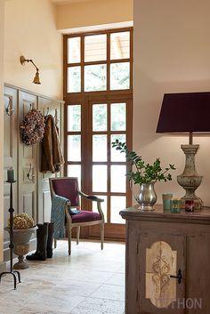 Otthon - Egy rusztikus ház vidéki bája | Lakások Living Room, Furniture, Room, House, Sala, Interior, Home, Entry Hallway, Farmhouse Interior