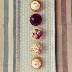 Seguimos a dieta... Gracias a Ana the The Objective, que nos cuida así de bien.  #cakes #sweet #diet #thanks