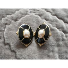 Classic Vintage Faux Pearl on Black Enamel Pierced Earrings ($9) ❤ liked on Polyvore featuring jewelry, earrings, vintage enamel earrings, earring jewelry, vintage jewelry, fake pearl earrings and faux pearl earrings