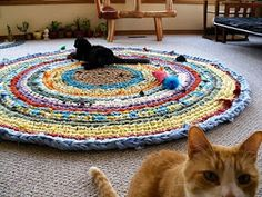 Crochet rug with Q hook, worked up in a few hours. Video tutorial links at the bottom.