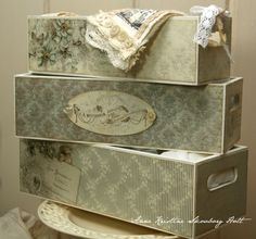 Wood boxes painted and covered with paper. Decoupage, Arts And Crafts, Diy Crafts, Creative Storage, Painted Boxes, Distress Ink, Wood Boxes, Tim Holtz, Storage Baskets