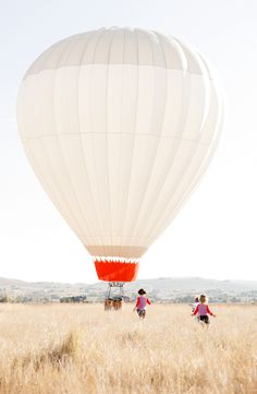 hot air balloon! Let's go for a ride!