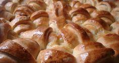 ζαμπονοκασεροπιτάκια με αφράτη ζύμη Cookie Dough Pie, Greek Cooking, Kids Meals, Waffles, Sausage, Food And Drink, Cooking Recipes, Bread, Homemade