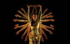 20160202 - Dançarinas do grupo Shanxi fazem ensaio antes de um show no Museu do Oriente em Lisboa, Portugal. A programação faz parte da celebração do Ano Novo Chinês no museu PICTURE:Rafael Marchante/Reuters