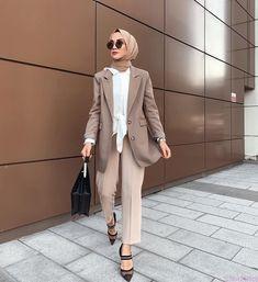 187 blazers hijab casual outfits – page 1 Modern Hijab Fashion, Street Hijab Fashion, Hijab Fashion Inspiration, Muslim Fashion, Modest Fashion, Fashion Outfits, Style Fashion, Modest Work Outfits, Office Outfits Women