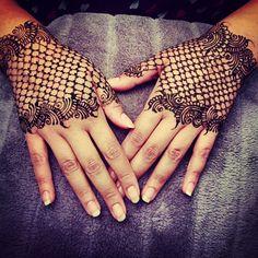 #eidmehndi#laceglove#prettyhands#henna