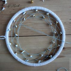 Dreamcatcher DIY tutorial, step to step indian dreamcatcher - Easy Step to Step DIY! Dream Catcher Patterns, Dream Catcher Mandala, Dream Catcher Craft, Dream Catcher Boho, Diy Dream Catcher Tutorial, Indian Arts And Crafts, Hobbies For Men, Cheap Hobbies, Dream Baby