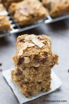 Simple Quinoa Breakfast Bars