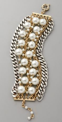 mixed metal chain bracelet with pearls. i think this could probably be made.