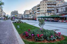"""Καλαμάτα: """"Η ελληνική πόλη, από τις ομορφότερες άγνωστες πόλεις της Ευρώπης, ένας κρυμμένος θησαυρός!"""" (Photos) Greece, Sidewalk, Street View, Greece Country, Side Walkway, Walkway, Walkways, Pavement"""
