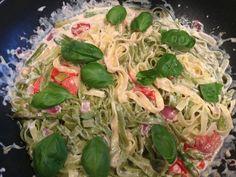 Spargelzeit! Tagliatelle mit grünem Spargel und Tomate