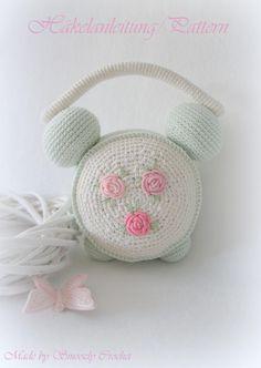 Häkelanleitung/EBook Wecker im Shabby Chic Style von ✣  Smoozly Crochet ✣ auf DaWanda.com