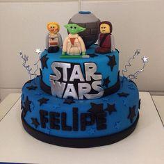 39+ Ideias de Bolo Star Wars > Sensacionais #BoloStarWars #Bolo #StarWars #FestaStarWars Bolo Star Wars, Starwars, Birthday Cake, Desserts, Food, Star Wars Party, Cake Ideas, Diy Home, Decorating Cakes
