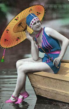BAIGNEUSES 1920