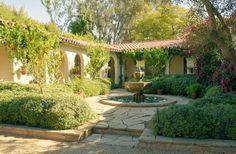 Home Again (Nancy Meyers set) Spanish Style Homes, Spanish Colonial, Spanish Revival, Home Again, Its Complicated Movie, Reese Witherspoon House, Nancy Meyers Movies, Film Home, Garden Design