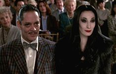 love relationship like perfect lust goth gothic the addams family gomez Morticia Addams The Addams Family, Addams Family Values, Adams Family, Anjelica Huston, Christina Ricci, Live Action, Morticia Addams Costume, Morticia Adams, Wednesday Addams