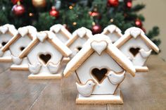 31 Amazing Gingerbread House Ideas | Shari's Berries Blog
